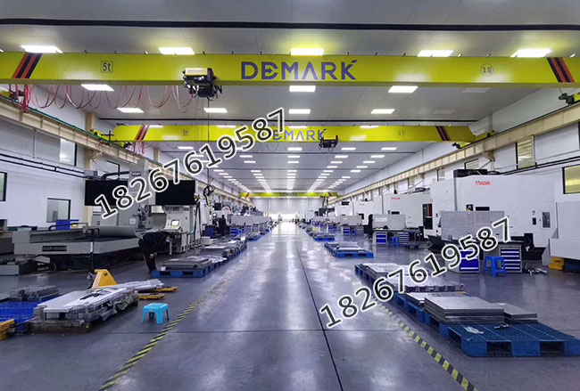 各种高端加工设备为高质量的熔喷机提供了生产保障